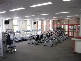 井出山スポーツ施設ジム